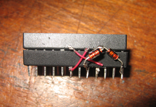 http://www.classic-computers.org.nz/blog/images/2011-07-04-PET-2532-2732-adaptor.jpg